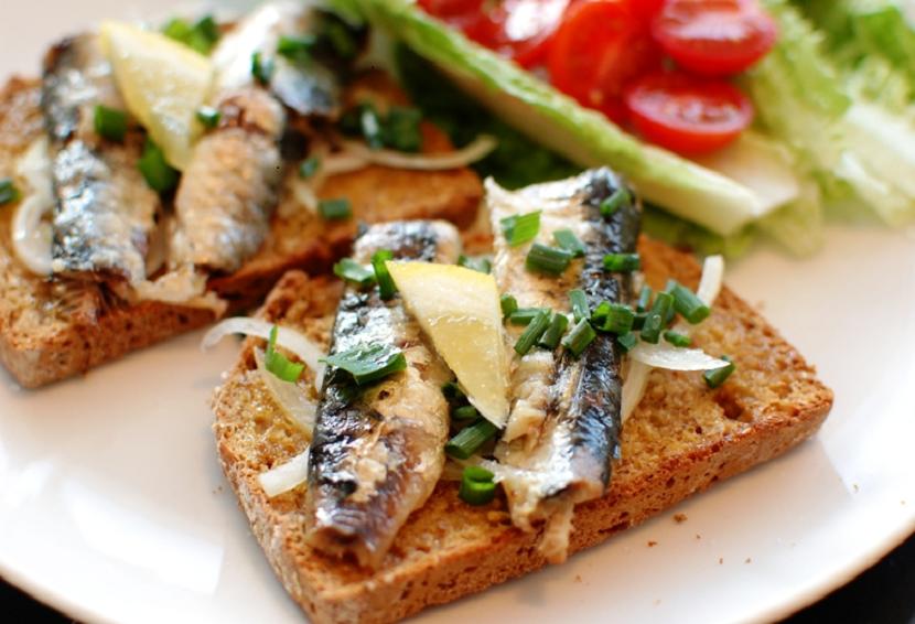 Rigel Fish Sandwich 3_Resized830by566
